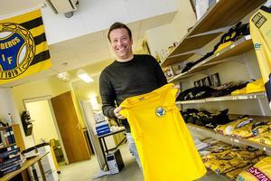 Svenne Olsson letade en ung och lovande tränare. Valet föll på Fredrik Rexin.