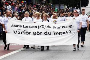 Hatbrott mot HBT-personer är ett stort problem. Immanuel Brändemo anser att han har kommit lindrigt undan, men känner många som fått höra kränkande saker, blivit illa behandlade eller utsatta för våld på grund av sin könsidentitet eller sitt könsuttryck. I årets Prideparad uppmanade RFSL Ungdom folkhälsoministern att ta sitt ansvar och förbättra HBTQ-ungdomars hälsa och livssituation.
