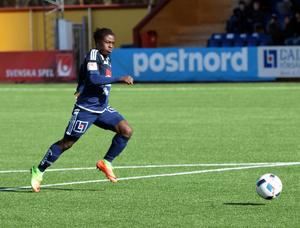 Tabitha Chawinga gjorde mål i första matchen.