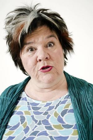 Ann Westin tar sin nya show till Söders Källa.