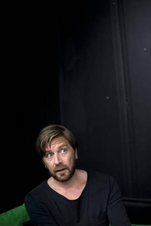 Ruben Östlund ifrågasätter kärnfamiljen och hoppas öka skilsmässostatistiken med sin nya film.Foto: Björn Larsson Rosvall/TT