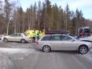 Kvinnan som körde bilen med takbox hade aldrig någon chans att väja när mannen med sin bil plötsligt korsade hennes väg.