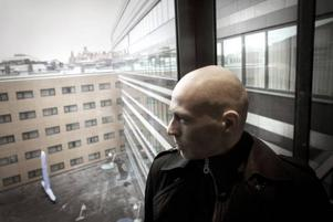 Synar bankerna. Journalisten Knut Kaintz Rognerud skriver om vinnarna och         förlorarna när det globala finanssystemet kollapsade förra hösten.