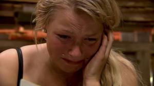 Lina Ilar föll i tårar i avsnitt 34 av Farmen.    Foto: Skärmdump/TV4