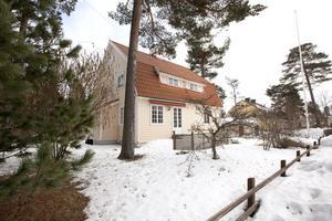 I slutet av 30-talet bodde familjen Nordblom i huset på Hedgrindsgatan 3. Huset ägs fortfarande av Sandvik.