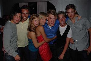 Silk. Tobbe, Daniel, Josefin, Ida, Gustaf, okänd och Niklas