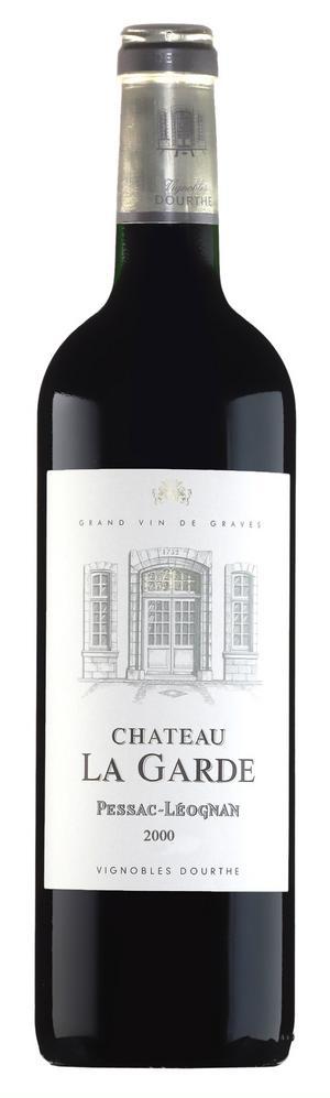 Château La Garde är ett klassiskt Bordeauxvin med koncentrerade vinbärstoner tillsammans med rostade fat, vanilj och ceder. Bra val till mörkt kött.