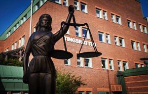 Östersunds tingsrätt kommer att pröva om mannen våldtagit och därefter ha hotat den minderåriga flickan.