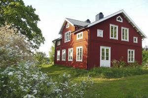 3. Besök på objektsidan: 3213      Var: Fillanvägen 20, Färsta   Bostadstyp: Villa   Utgångspris: 5 290 000 kr