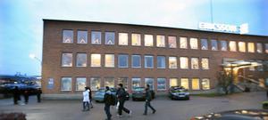 Fabriken i Hemsta står tom men Ericsson betalar fortfarande hyran fram till 2014.