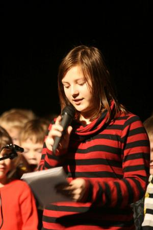 Natalie Östlund är en av två konferencierer.