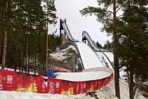 Att riva hoppbackarna kan vara det bästa för Faluns ekonomi, menar Dan Persson, konsult inom kommersiell idrott och arenor.