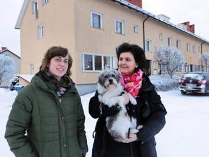 Byservicekontoret är en knutpunkt i centrala Backe där Linnea Bergström och Britt-Marie Norman jobbar för att utveckla verksamheten.