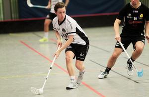 Filip Nilsson vill gärna fortsätta spela med FBC Bollnäs, åtminstone tills läget på det personliga planet gör att han kan återvända till Visby.