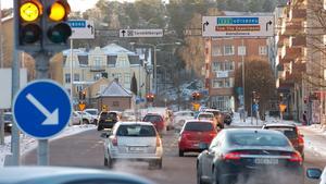 Partikelsänkning. För att förbättra luften i Södertälje har kommunen valt att byta asfalten vid Turingekorset och Birkakorset, huvudsakligen på Stockholmsvägen och Ängsgatan. De hoppas se resultat redan till våren.