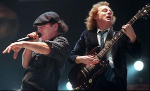 TOBBES FAVORITBAND. Brian Johnson och Angus Young, två av medlemmarna i AC/DC.