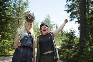 Gullfina och Stor-Putte hälsade besökarna välkomna.
