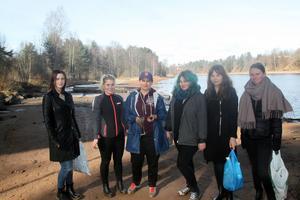 Linnea Åkerlund,Felippa Norell, Lisa Modin, Johanna Hurtig, Tuva Gustavsson och Hanna Bergqvist städade upp längs älven.