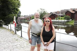Sommaren är högsäsong för Anders och Rosita Lundgrens butik.