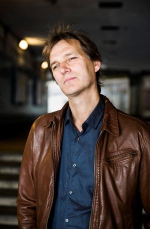 Bilexperten Joppe Pihlgren har en förkärlek till hela sextiotalsestetiken, från bilmodeller till tidstypisk musik.