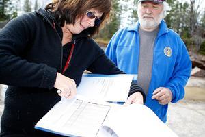 Lena Funseth-Norberg från Sundsvall och Olle Landfors från Stockholm var domare när räddningshundarna i Jämtland hade sitt slutprov.