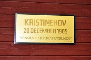 Den 20 december 1985 invigdes Säters ishall, som numera har återtagit sitt ursprungliga namn Kristinehov.