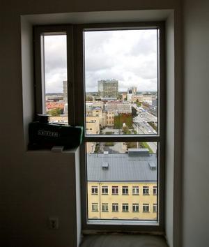 Ny vy.  Lägenheterna får utsikt över staden tack vare stora fönster.