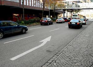 Bakgata. Munkgatan ska bli mer värd att visas upp, med snygg belysning och mer grönska. Planeringen börjar nu.Foto: Yngve Fredriksson