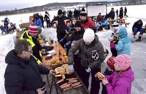 På söndag, den 14 februari, anordnas Brunnsjödagen av Brunnsjöns Vintervänner. Så här såg det ut vid Brunnsjödagen 2013.