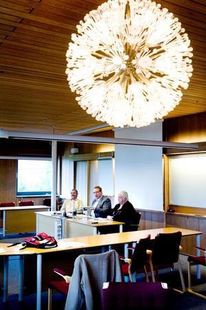 Per-Johan Emtell, Peter Kärnström och Monica Jacobsson framställde det som ett enkelt och självklart val när de i går berättade att rekryteringsgruppen bestämt sig för att föreslå Ann-Katrin Sundelius till ny kommundirektör.