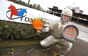Magnus Jakobsson, Årets champion på Rättvikstravet 2016, kör Global Steffo som Lasse Lindh väljer att spika på Rommes V65:a.