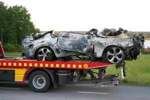 Fyra personer omkom natten till måndag i en trafikolycka längs riksväg 205.