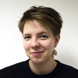 Josefin Svenske, som även driver vuxenserieförlaget Kolik, är förläggare för Rabén & Sjögrens nya satsning på barnserier.