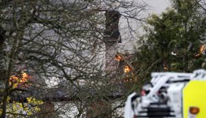 Huset var övertänt när räddningstjänsten kom dit.