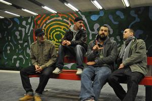 Hiphopgruppen Labyrint rappar om samhällsproblem, orättvisor och klassklyftor.