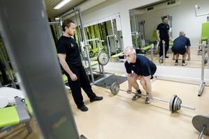 Styrketräning har varit ett framgångsrecept för Matti Lappi som nu lyfter 57,5 kilo på skivstången. Personlige tränaren Olof Flemström ger tips och råd.