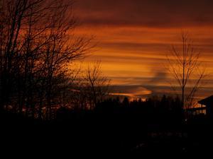 Kvällen den 8 november 2011 var himlen helt magisk, fantastiska färger spelade på himlavalvet.