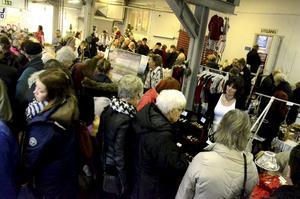 Julmarknad vid pappersbruksmuseet på Frövifors.
