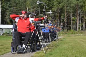 Skyttar från både Norge och Sverige tränar i Hallsberg i helgen. De har siktet inställt på VM i Thailand. Foto: JAN WIJK