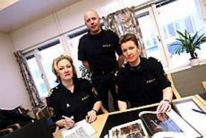 Irmeli Krans, Anders Almén och Pia Lind är utbildare för projektet �Normgivande mångfald�, som tar sikte på de arbetsplatser där toleransen mot homosexuella är lägst. Till dem räknas Svenska kyrkan, försvarsmakten och polisen. Foto: Nick Blackmon