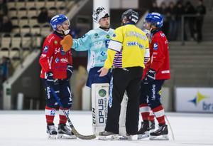 Oscar Jonsson gjorde 3–1 till Edsbyn, som inte orkade hela vägen