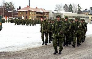 Hultqvist utesluter inte en återinförd värnplikt under mandatperioden.