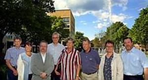 Foto:GUN WIGH Nya chefer. Dessa åtta ska leda de nya förvaltningarna i Sandviken. Bo Eriksson, Lena Fransson, Leif Jansson, Göran Olausson, Barbro Berglind, Bo Broman, Yvonne Bäckius och Olle Westling.