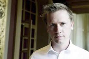 Roger Hedlund (SD) åker till partiets landsdagar, stärkt av kuppen i Gävle. Han kommer att belönas.