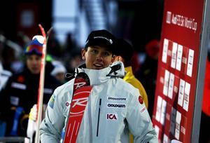 Calle Lindh fick till slut lämna ledarväggen efter att ha gått ut som andre man och hållit ledningen tills Mattias Hargin kom och knuffade ner honom. Hargin startade som 25:e man.
