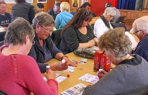 På tisdagkväll den 3 maj är det nypremiär för bingo i Tännäs. Stor koncentration rådde bland de tävlande under genrepet i tisdags.