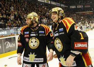 Svedberg firar guldet i Brynäströjan.