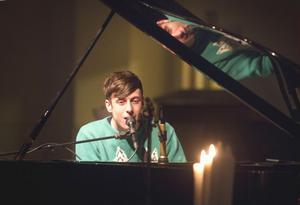 Luke Leighfield underhöll en ung publik på Högliden.