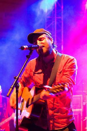 Stiko Per Larsson är en av artisterna under Malungsfors visfestival.