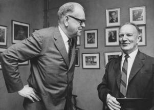 Tage Erlandet och Gunnar Hedlund är två exempel på gårdagens politiker som skribenten tycker var oerhört mycket bättre än dagens.